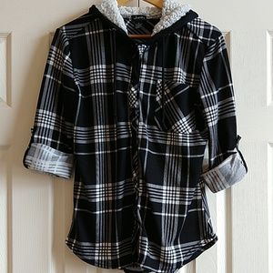 Justify Black and White Plaid Hooded Button Down